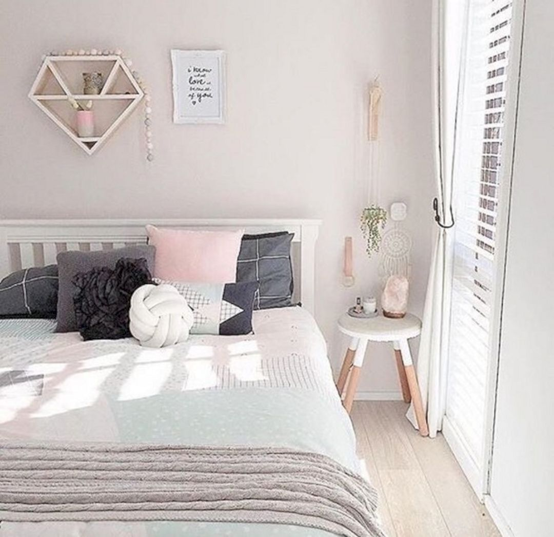 Awesome White Bedroom Walls Ideas