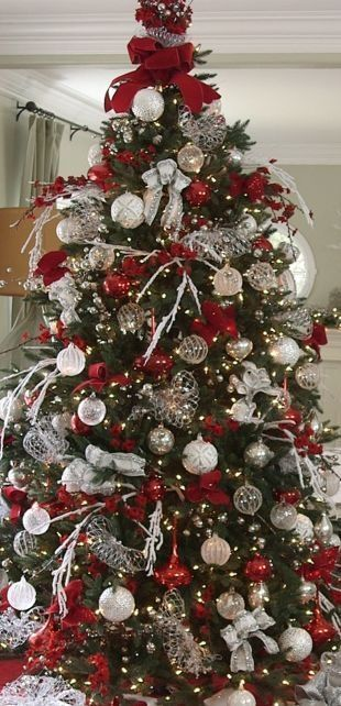 Stunning Red And Silver Christmas Decorations Ideas