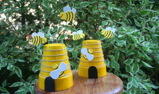 Inspiring Bumble Bee Garden Decor Ideas