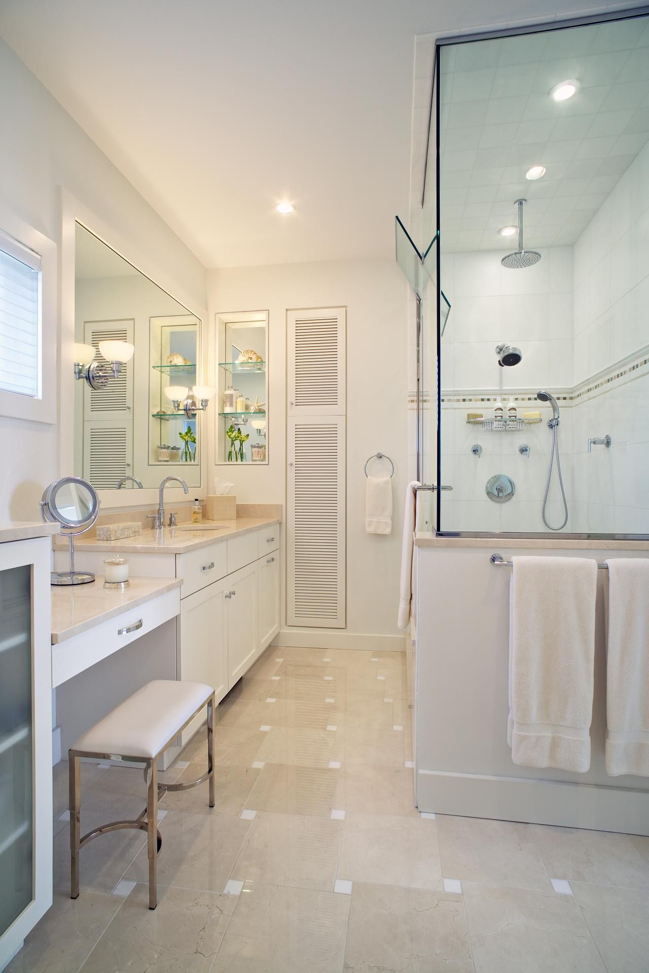 Gorgeous Bathroom Vanity With Makeup Table Ideas