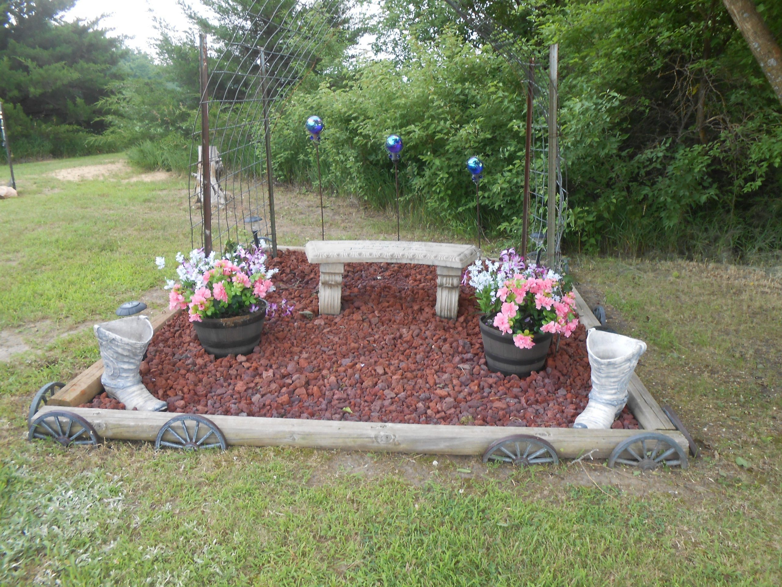 Gorgeous Backyard Pet Memorial Garden Ideas