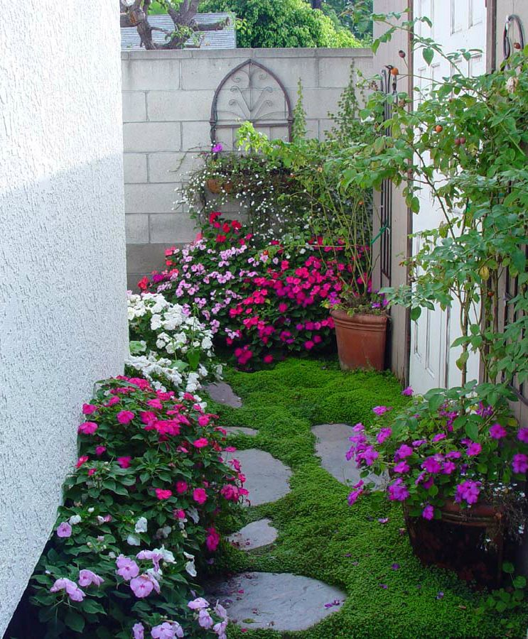 Gorgeous Small Space Garden Ideas